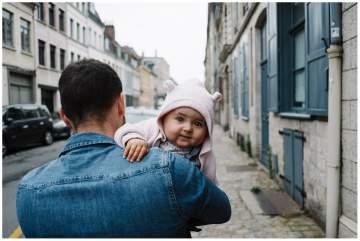 Photographe de famille pour un shooting lifestyle dans le vieux Lille